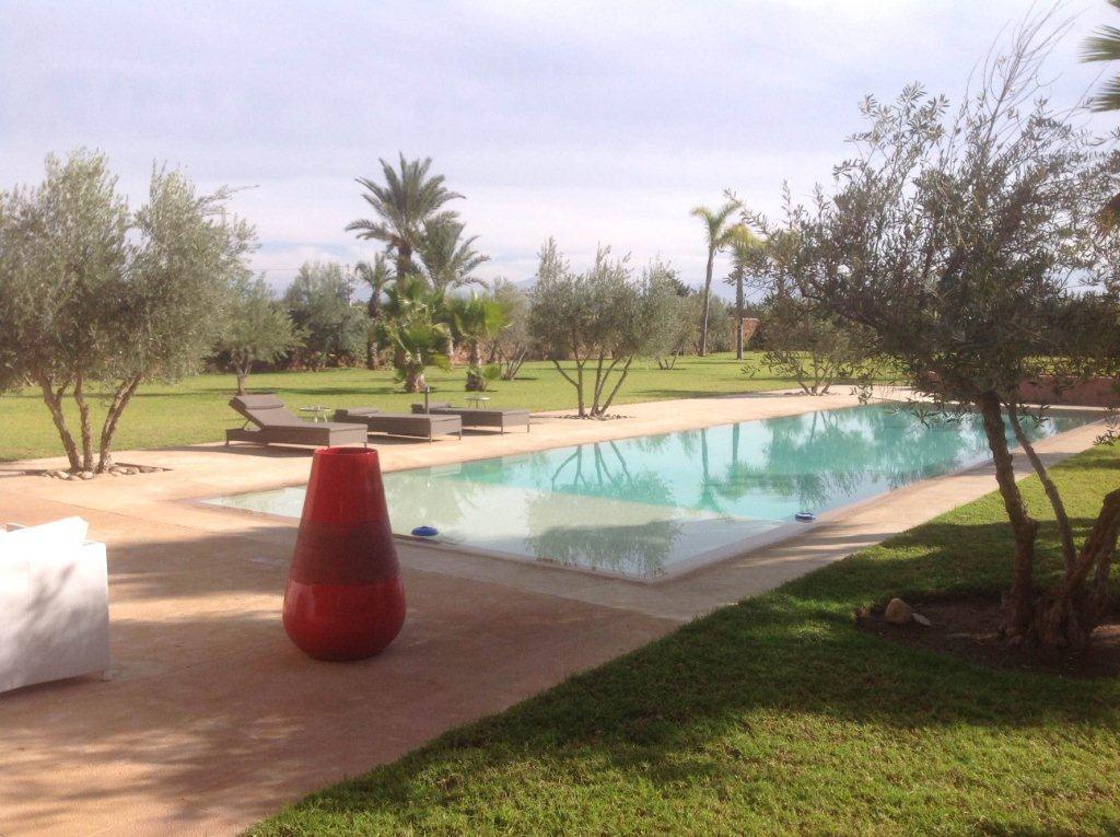 Villa contemporaine à vendre- Route de Fès-Marrakech-